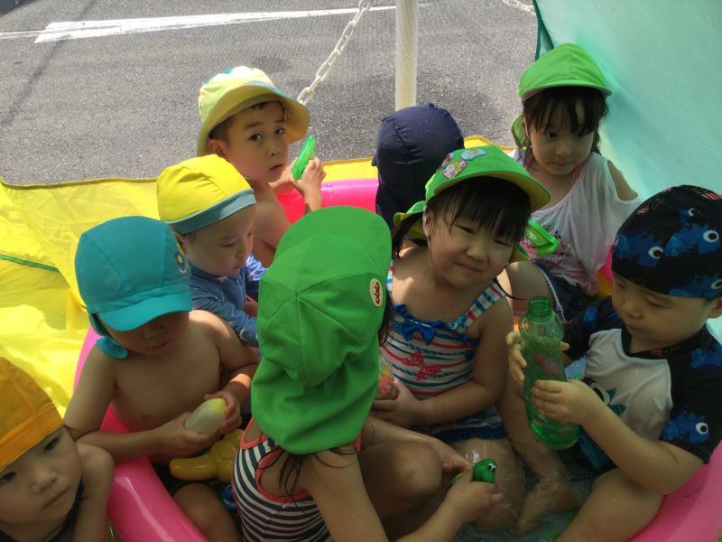 今日も楽しく水遊び♫«大阪市西区新町、幼児教室一体型保育園»