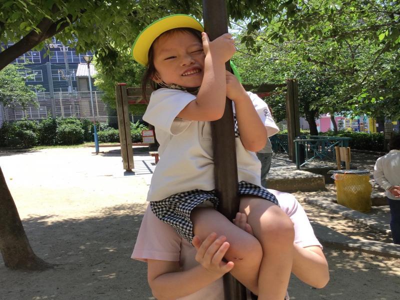 登り棒をしてきました!《大阪市西区、新町にある幼児教育一体型保育園HUGアカデミー》