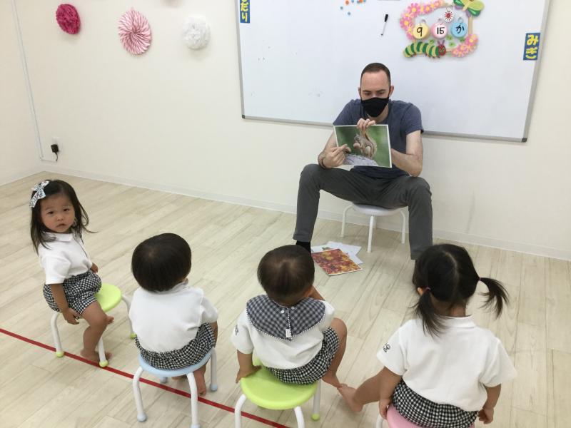 火曜日のカリキュラムは英語です!《大阪市西区新町にある幼児教室一体型保育園》