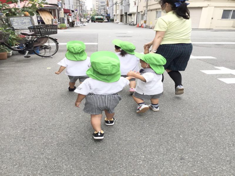 お外遊びに行って来ました!《大阪市西区、新町にある幼児教育一体型保育園HUGアカデミー》