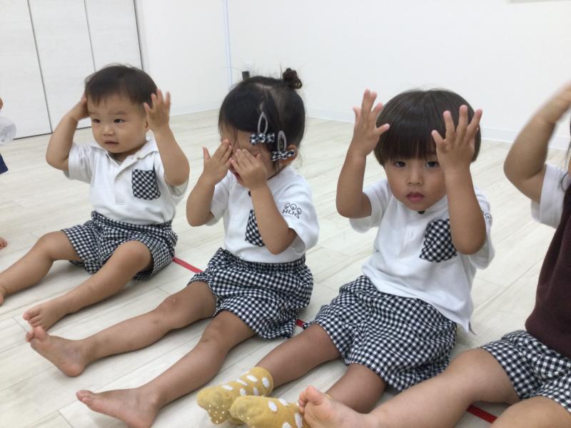 木曜日のカリキュラムはリトミックです!《大阪市西区、新町にある幼児教室一体型保育園HUGアカデミー》
