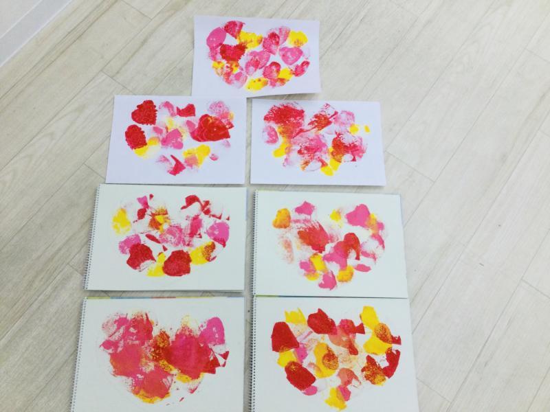 金曜日のカリキュラムは【絵画】です。《大阪市西区、新町にある幼児教育一体型保育園HUGアカデミー》