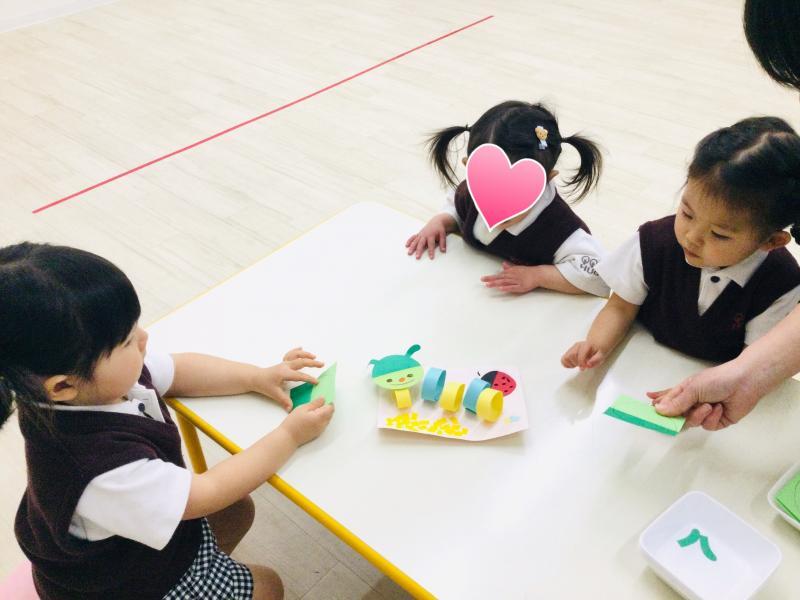 水曜日のカリキュラムはクラフトです。《大阪市西区、新町にある幼児教育一体型保育園HUGアカデミー