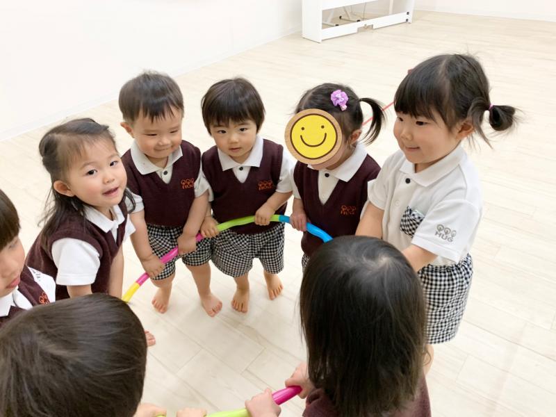 木曜日カリキュラムはリトミックです!《大阪市西区、新町にある幼児教育一体型保育園HUGアカデミー》