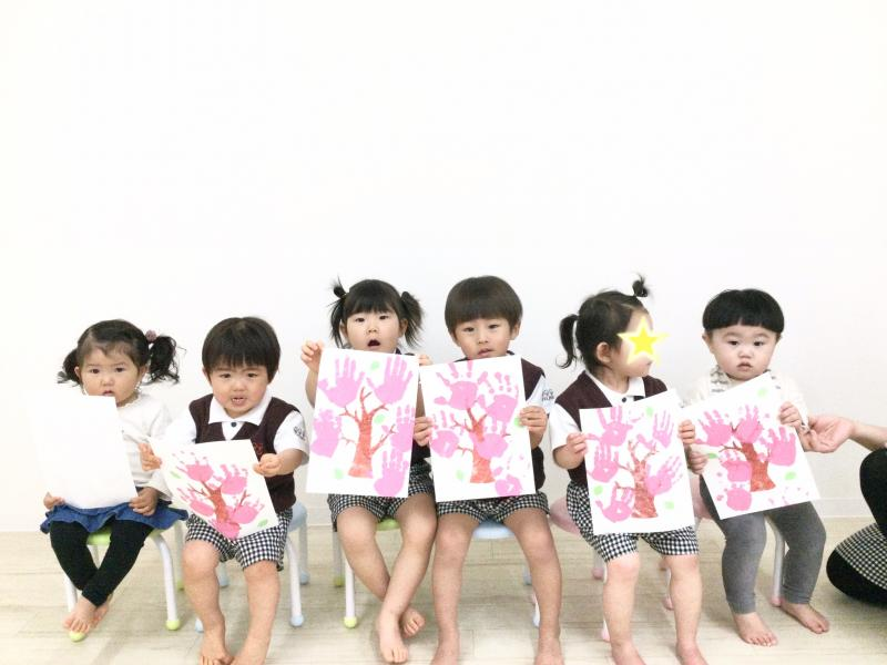 水曜日のカリキュラムは絵画です!《大阪市西区、新町にある幼児教室一体型保育園》