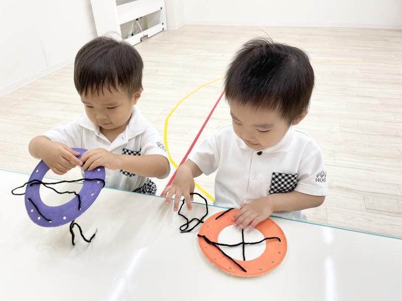 金曜日のカリキュラムはクラフトです!《大阪市西区、新町にある幼児教室一体型保育園》