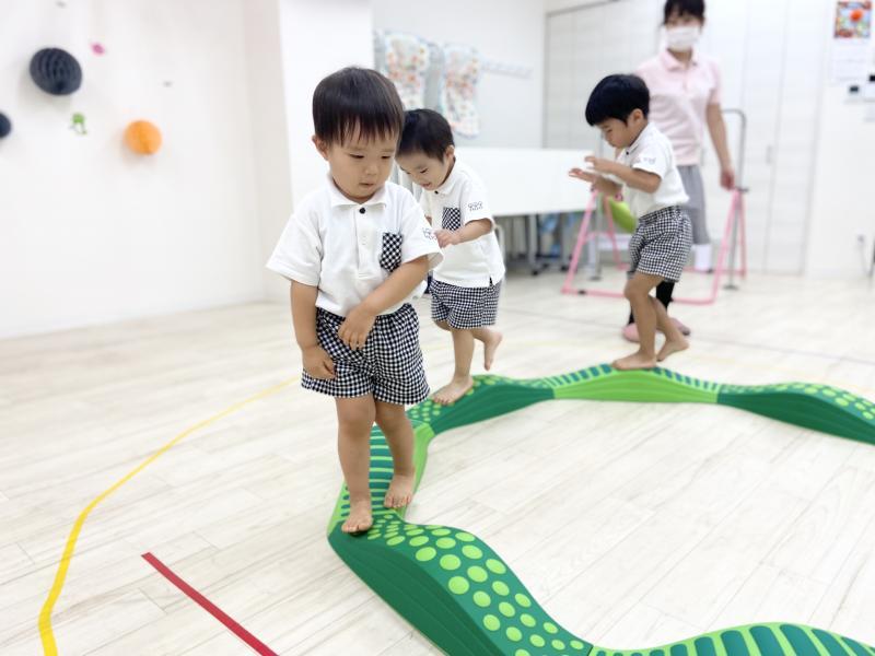 火曜日のカリキュラムは体操です!《大阪市西区、新町にある幼児教室一体型保育園》こん
