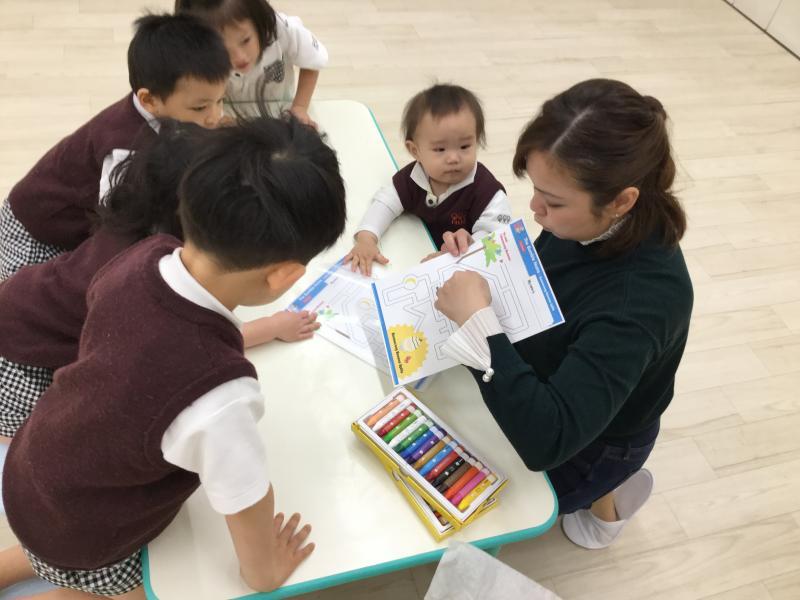 English class today!《大阪市西区、西大橋にある幼児教室一体型保育園》